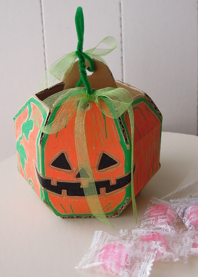 ハロウィンのかぼちゃのバスケット