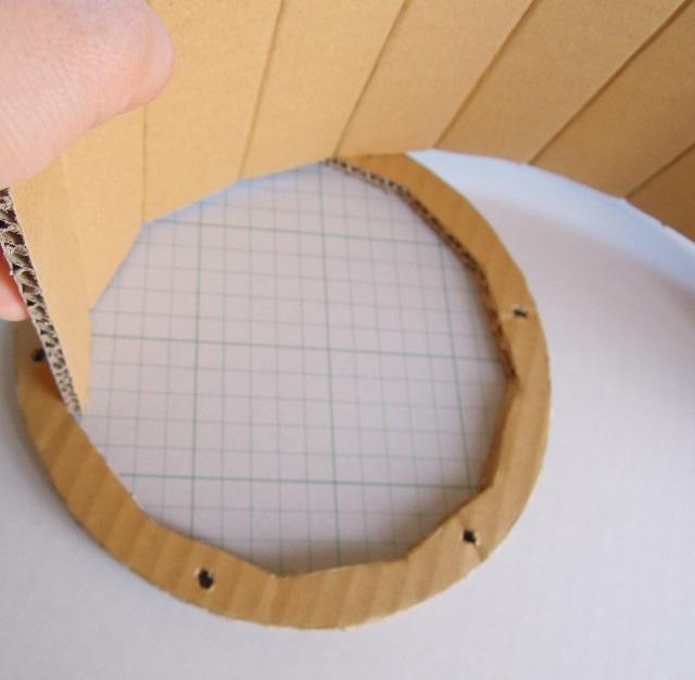 ダンボールでドラム作り