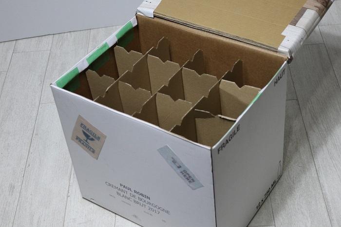 ワインの箱でスツールを作る