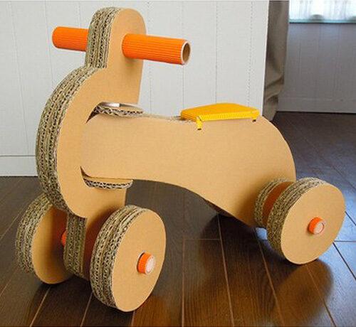 ダンボール製四輪車
